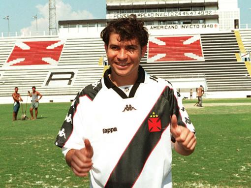 Apresentação do atacante Luizão em São Januário. Reforço para a Libertadores de 1998 que deu certo.